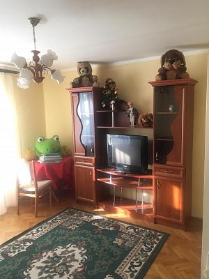 3 rooms apartmentsdaily Stryy, ул. Шевченко, 171. Photo 1