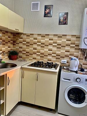 Двухкомнатная квартирапосуточно в Артемовске (Бахмуте), ул. Независимости, 46