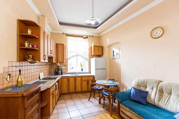 Двухкомнатная квартирапосуточно в Львове, Лычаковский район, ул. Богомольця, 2