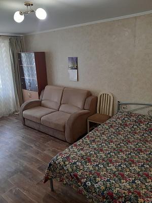 Однокомнатная квартирапосуточно в Мариуполе. Приморский район район, ул. Строителей , 32. Фото 1