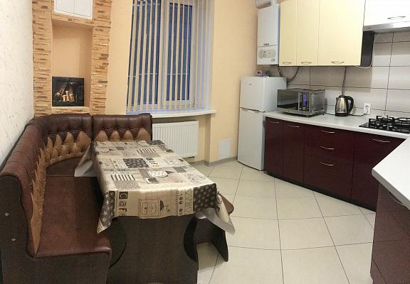 Однокомнатная квартирапосуточно в Луцке, ул. Дмитрия Иващенко, 2
