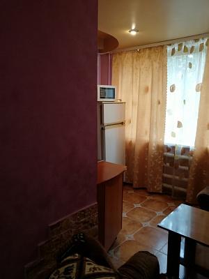 Однокомнатная квартирапосуточно в Красноармейске (Покровске), мкр. Шахтерский , 18
