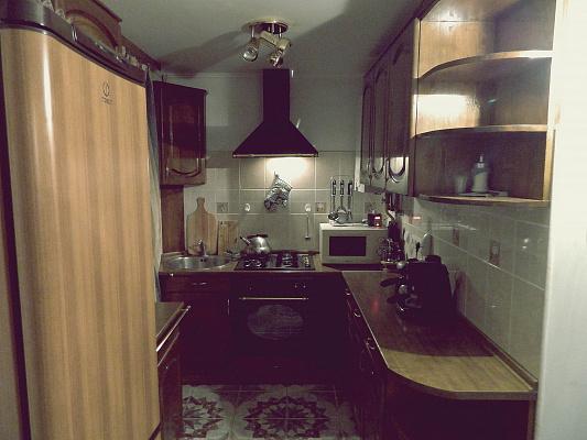 Трехкомнатная квартирапосуточно в Ужгороде, ул. Сечени, 35. Фото 1