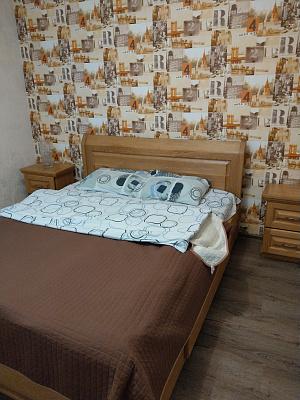 Однокомнатная квартирапосуточно в Ровно, ул. Мельника, 30