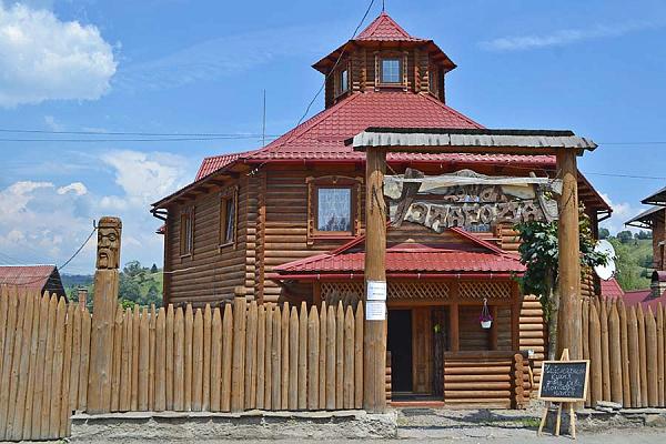 Мини-отель посуточно в Лазещине, ул. Центральная, 986. Фото 1