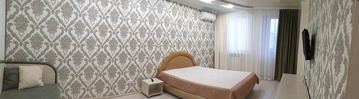 Однокомнатная квартирапосуточно в Черкассах, ул. Героев Днепра, 89. Фото 1