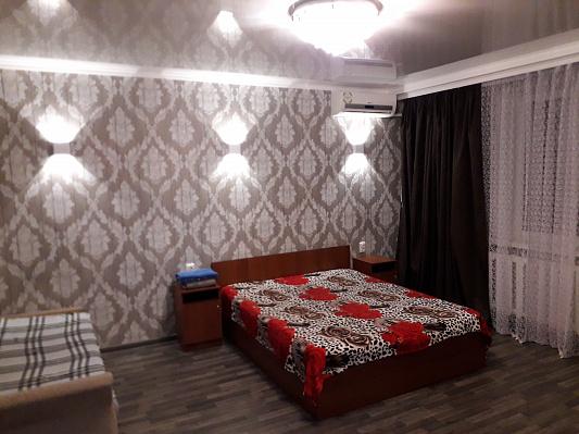 Однокомнатная квартирапосуточно в Кременчуге, ул. М. Борыщака (Цюрупы), 15. Фото 1