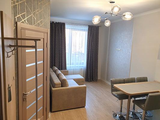 2 rooms apartmentsdaily Uzhgorod, ул. Ирены Невицкой, 9Б. Photo 1