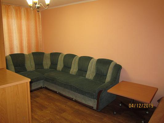 Двухкомнатная квартирапосуточно в Черкассах, ул. Новопречистенская, 1