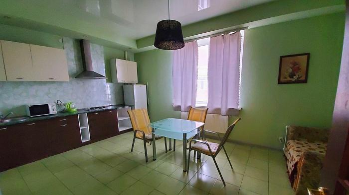 Двухкомнатная квартирапосуточно в Черкассах, б-р Тараса Шевченко, 150