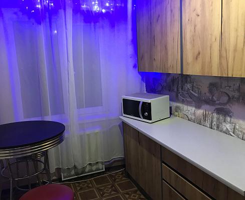 Двухкомнатная квартирапосуточно в Днепре, Амур-Нижнеднепровский район, ул. Калиновая, 79