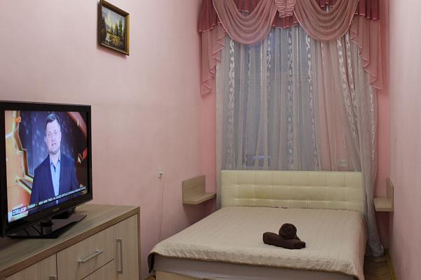 Двухкомнатная квартирапосуточно в Львове. Галицкий район, ул. Братьев Рогатинцев, 24. Фото 1