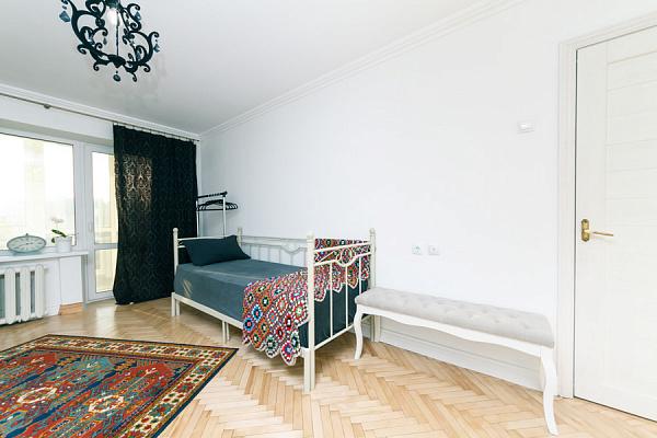 Однокомнатная квартирапосуточно в Киеве, Голосеевский район, ул. Жилянская, 72