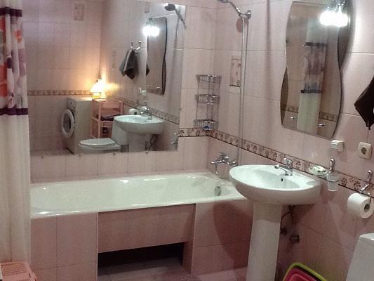 Однокомнатная квартирапосуточно в Ялте, Центр Ялты район, ул. Чехова, 27