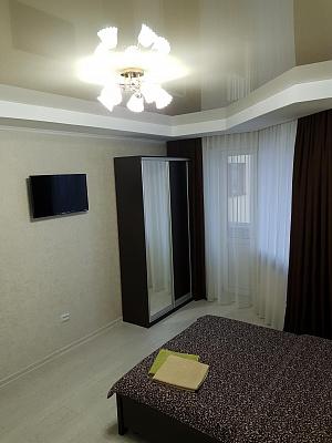 Однокомнатная квартирапосуточно в Луцке, ул. Огиенко, 2а
