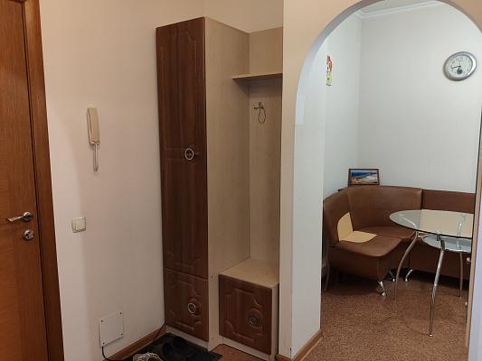 Однокомнатная квартирапосуточно в Симферополе, Киевский район, ул. Тренева, 21