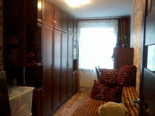 Двухкомнатная квартирапосуточно в Первомайске, ул. Корабельная, 16