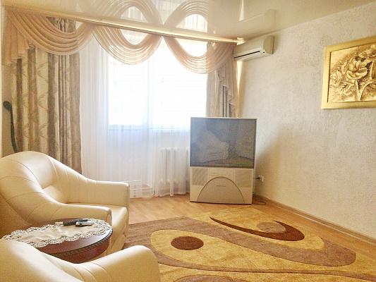 2 rooms apartmentsdaily Odessa, Primorskiy district, ул. Леонтовича, 6. Photo 1