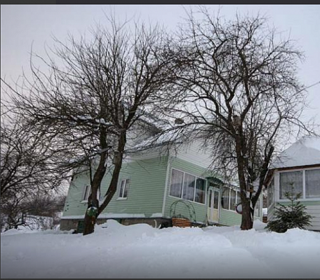 Трехкомнатная квартирапосуточно в Плавье, ул. Бриновка, 35а. Фото 1
