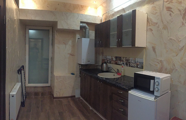 Трехкомнатная квартирапосуточно в Первомайске, ул. Карла Маркса, 4а. Фото 1
