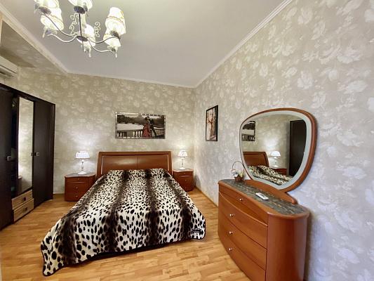 2 rooms apartmentsdaily Odessa, Primorskiy district, ул. Малая Арнаутская, 105/1. Photo 1
