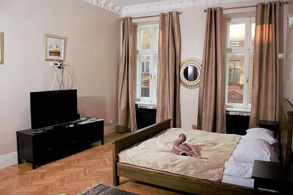 Двухкомнатная квартирапосуточно в Львове, Галицкий район, ул. Ивана Огиенко, 20. Фото 1