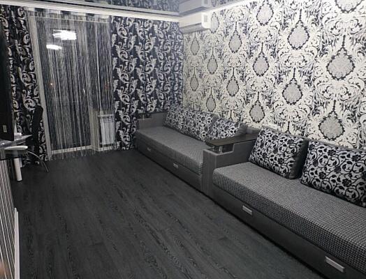 Однокомнатная квартирапосуточно в Краматорске, ул. Академическая, 58