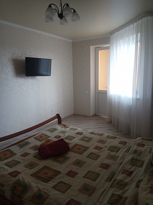 Однокомнатная квартирапосуточно в Луцке, ул. Огиенко, 2а. Фото 1