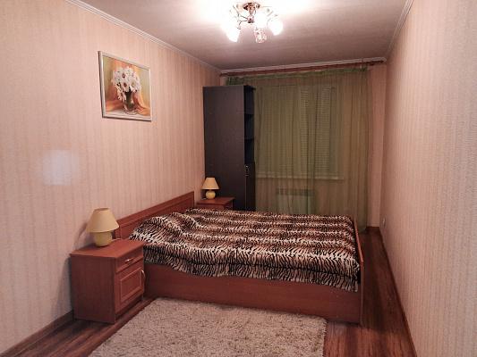 Двухкомнатная квартирапосуточно в Никополе, ул. Усова, 15