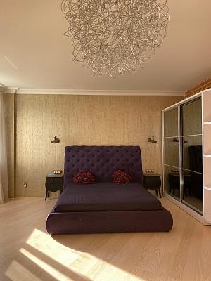 Однокомнатная квартирапосуточно в Одессе, Приморский район, ул. Гагаринское Плато, 5а