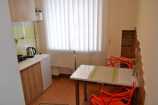 Однокомнатная квартирапосуточно в Каменце-Подольском, ул. Соборная, 33. Фото 1