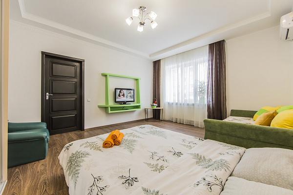 Однокомнатная квартирапосуточно в Вишнёвом, Крюковщина, ул. Первомайская, 23б. Фото 1