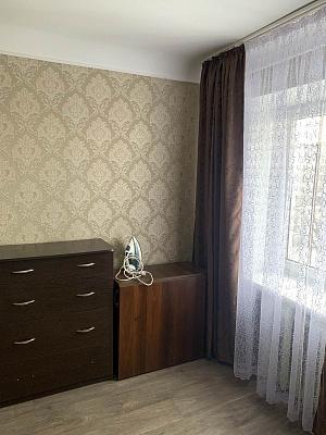 Трехкомнатная квартирапосуточно в Житомире, ул. Победы, 3