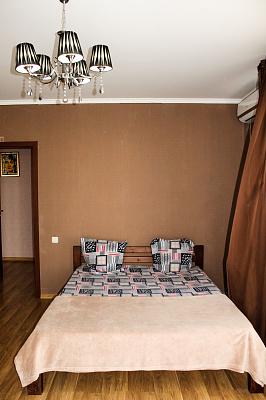 Четырехкомнатная квартирапосуточно в Санжейке, ул. Нескучная, 10