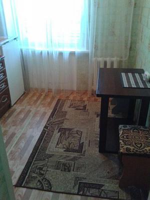 Однокомнатная квартирапосуточно в Лисичанске, ул. Сосюры, 360
