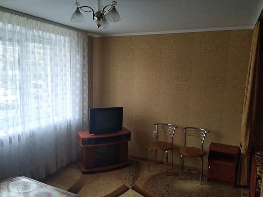 Однокомнатная квартирапосуточно в Хмельнике, ул. 1-го Мая, 15