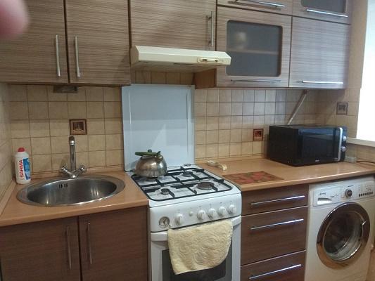 Однокомнатная квартирапосуточно в Лубнах, пр-т Владимирский (ул. Советская), 101