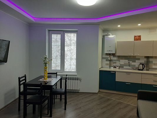 2 rooms apartmentsdaily Uzhgorod, ул. Владимирская , 90. Photo 1