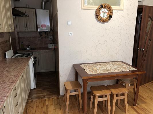 Однокомнатная квартирапосуточно в Луцке, ул. Шопена, 15