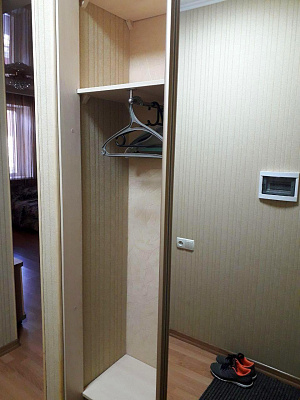 Однокомнатная квартирапосуточно в Славянске, ул. Банковская, 87
