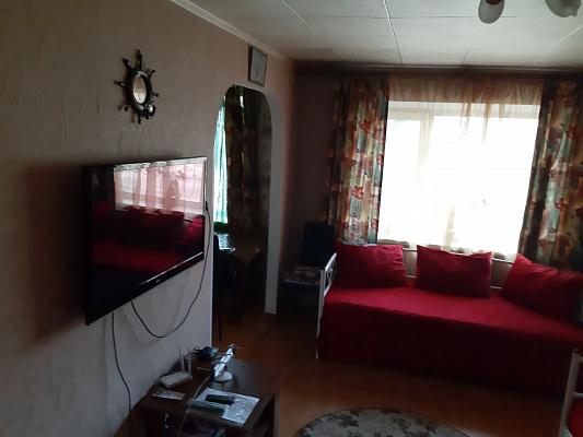 Двухкомнатная квартирапосуточно в Мариуполе, Центральный район, пр-т Строителей, 99
