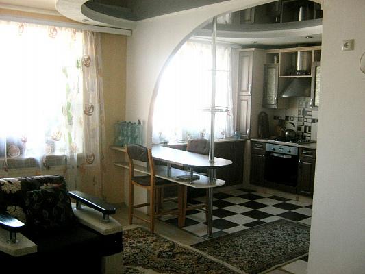 Двухкомнатная квартирапосуточно в Светловодске, б-р Днепровский, 16. Фото 1