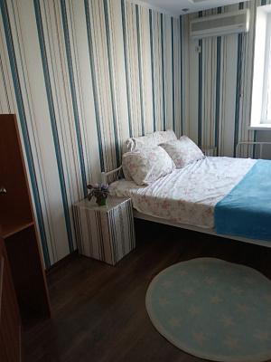 Двухкомнатная квартирапосуточно в Южном, ул. Строителей, 7. Фото 1