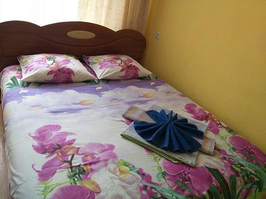 Однокомнатная квартирапосуточно в Конотопе, ул. Короленко, 33. Фото 1