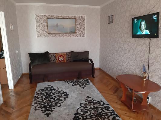 Однокомнатная квартирапосуточно в Мариуполе, Центральный район, ул. Бахчиванджи, 17. Фото 1