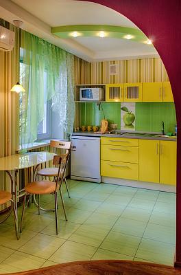 Однокомнатная квартирапосуточно в Мариуполе, Центральный район, пр-т Строителей, 111. Фото 1