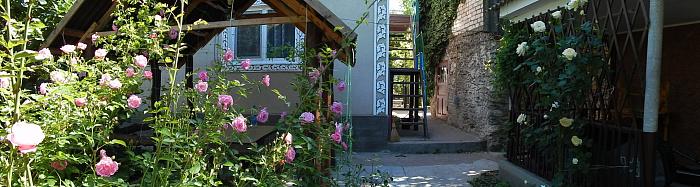 Мини-отель посуточно в Рыбаковке, ул. Очаковская, 33