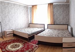 Комнаты в частном дом без хозяев возле бассейнов