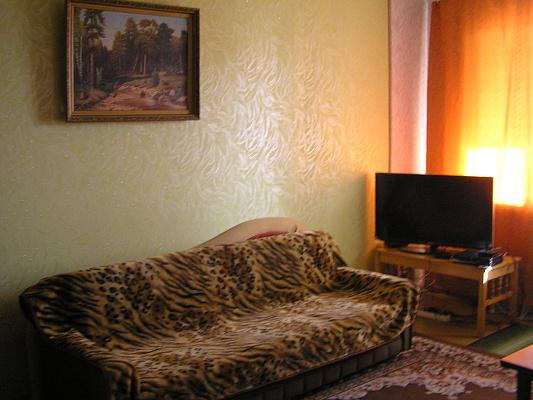 Двухкомнатная квартирапосуточно в Киеве, Соломенский район, ул. Гетьмана, 40. Фото 1