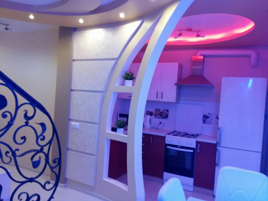 2 rooms apartmentsdaily Uzhgorod, ул. Мукачевская, 60. Photo 1